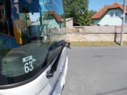Ilustrační obrázek demolovaný autobus